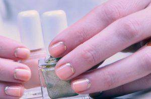 Zmywacz do paznokci w płatkach Ferity – bezzapachowe i łatwe usuwanie manicure