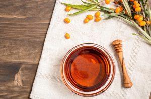 Olej rokitnikowy – mój sposób na młodo wyglądającą cerę
