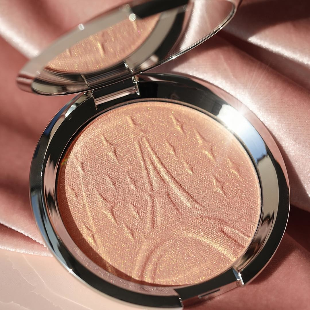 Becca Parisian Lights highlighter