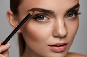 Mój sposób na idealny makijaż brwi