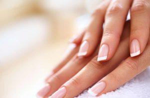 Modelowanie paznokci. Jak zrobić trwały i piękny manicure?