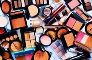 Zrób porządek w kosmetykach! Jak się do tego zabrać i co wyrzucić?